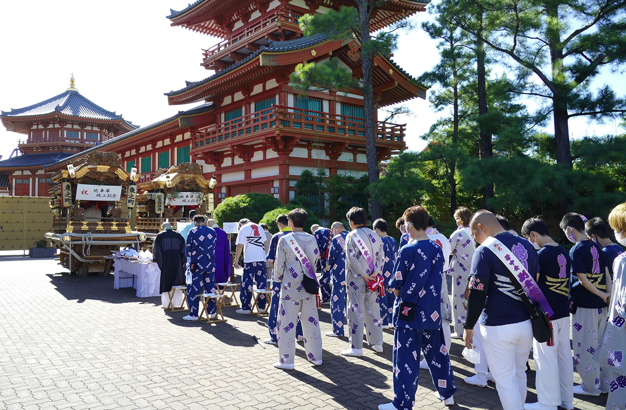 鶴見神社の地車(だんじり)の「帰町曳行」を開催