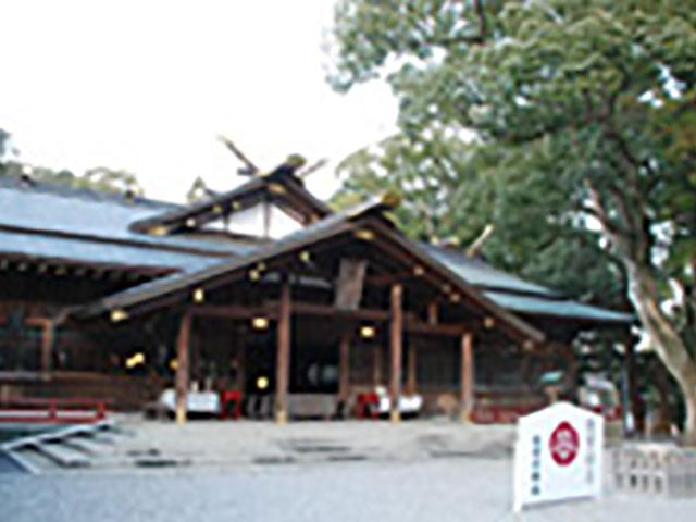 「みちひらき」の神様として有名な猿田彦神社