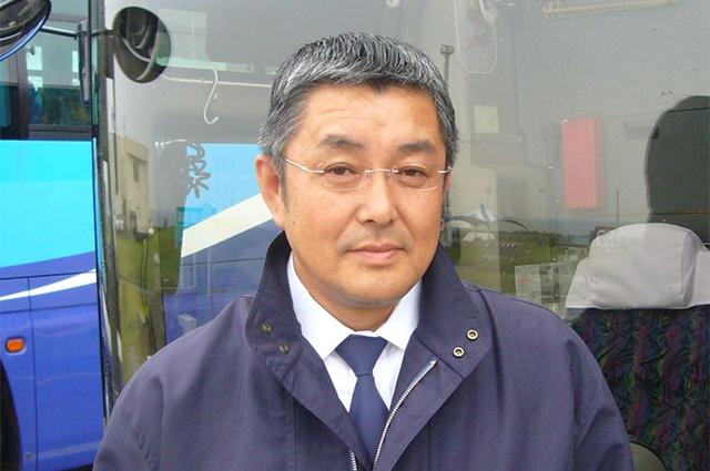 バスドライバー :長谷川 芳行(50歳)