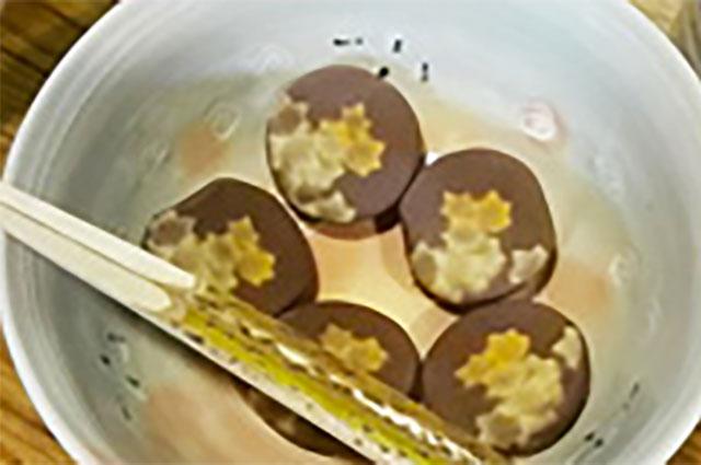 季節を表したお茶菓子
